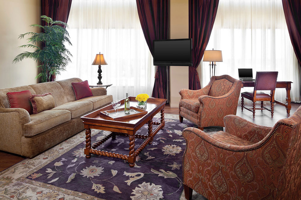 Vice Presidential Suite at Cambridge Red Deer Hotel