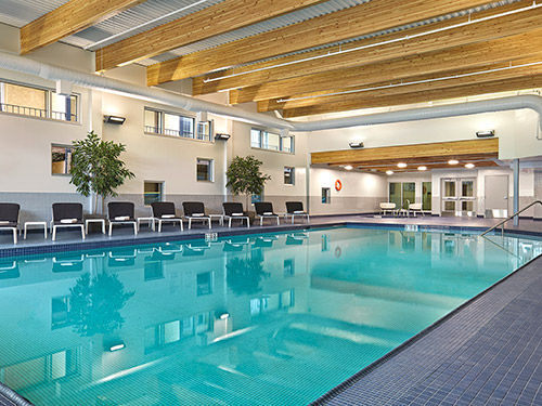 Cambridge Red Deer Hotel indoor pool